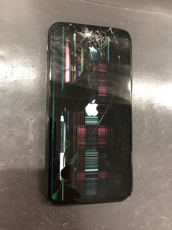 iPhoneXの液晶故障です。