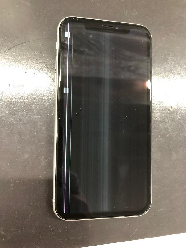 iPhoneXRの液晶不良です。