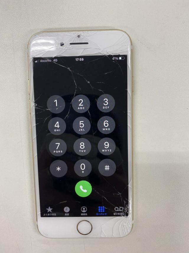 ガラスが割れたiPhone7